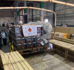 إخلاء مواد (شديدة الخطورة) من قسم الشحن الجوي في مطار بغداد الدولي