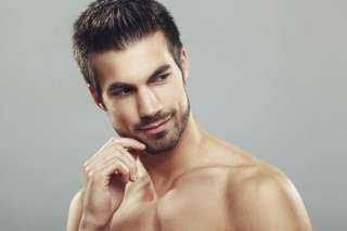14 طريقة لتكون رجلاً أكثر جاذبية.. أهمها «كُل ثوم»