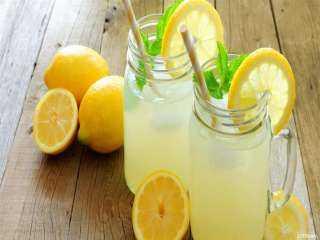 ابدأ يومك بها.. 6 مشروبات صباحية تُحسن صحة جهازك الهضمي