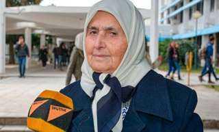 «نجلاء» طالبة سورية تنتظر التخرج مع بداية عقدها التاسع