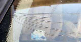 """""""بعد الحكم علي المتهمين"""" تهشيم زجاج سيارة عضو بهيئة محكمة جنايات القاهرة بعابدين"""