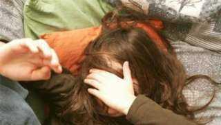 أب بلا رحمة .. هتك عرض ابنته وهددها بالقتل ! التفاصيل كاملة