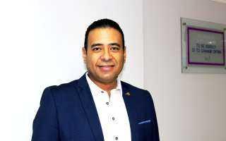 محمد عماد الدين يوضح توقيت لجوء السيدات لزراعة الشعر