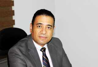 محمد عماد يوضح الوسيلة الآمنة للتخلص من الصلع