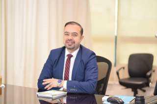 أحمد عاصم يوضح أسباب تأخر الدورة الشهرية لدى السيدات