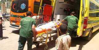 وفاة شاب وإصابة شقيقه وطفليه في حادث مروع بقوص