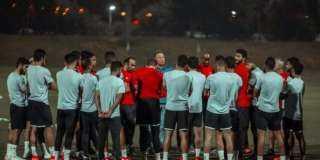 الخطيب في جلسة تعنيف لاعبي الأهلي: الجماهير لن تصفق لكم حال خسارة الدوري