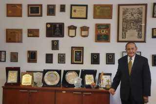 خليل يغادر رئاسة جامعة النيل ويعود للعمل في مجالات إدارة التكنولوجيا