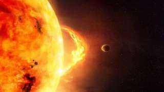 """علماء يحذرون من عاصفة شمسية ستدمر الأرض وتتسبب في """"نهاية الإنترنت"""""""