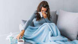 المصل واللقاح: أعراض كورونا في الموجة الرابعة بسيطة للغاية وأقل من البرد