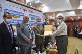 رئيس جامعة كفر الشيخ يشهد حفل استقبال الطلاب الجدد في كليتي الهندسة والعلاج الطبيعي